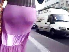 Thổ Nhĩ Kỳ cô gái trong chiếc xe